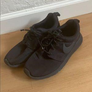 ✨4/$15✨ Nike Shoes